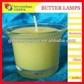 Budista altar em presentes e enxertos manteiga vela