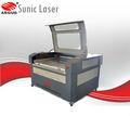 80 W 100 W 130 W CO2 gravação a Laser e máquina de corte pedra dura para traçar