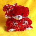 2013 venta caliente rojo de oso de peluche con el corazón