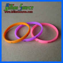 2013 Bright colors with super thin silicone wristbands for Spring gifts