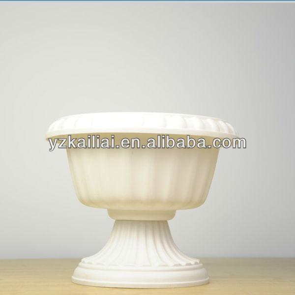 Flores decorativas florero forma de copa macetas maceteros for Plantas decorativas de plastico