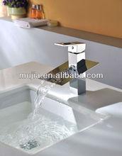 New Elegant Practical Square Chrome Brass Faucet Bathroom Basin Sink Mixer Tap Building Material