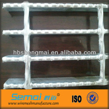 Made in China factory good quality best price galvanzied steel grating production line