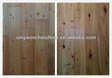 Grande vente naturel lisse pin plancher en bois massif