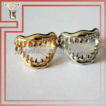 lega denti di squalo anello