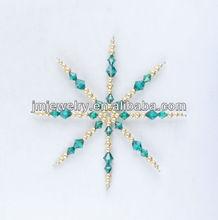 to make handicraft of beads snowflake