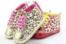 Leopard pattern newborn baby shoes