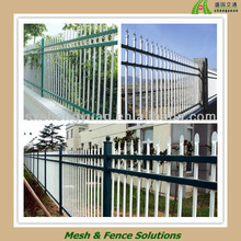 White Tubal Steel Garden Decorative Pikes Fence Panel