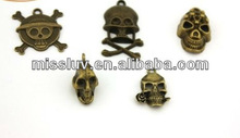 various Halloween skull charms Antique bronze skull charm pendant popular festival jewelry charms