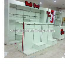 The shelves of green environmental protection/supermarket shelves