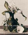 Puro mano- dipinto- fiori tulipani bianchi in un vaso