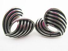 YE10822A antic rhodium earring hearts