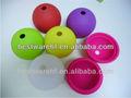 Colorido silicone gelo esfera moldes. Baldes, coolers
