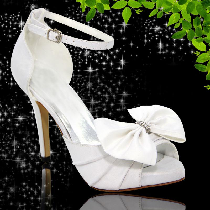 http://i01.i.aliimg.com/photo/v1/1084808295/Beautiful_white_bridal_shoes_latest_2013_women.jpg