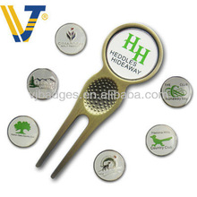 Personalized golf divot tools with logo