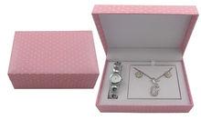 2013 nice pink paper watch box stainless steel chain wrist watch/ladies hand chain watch/wholesale fashion watches