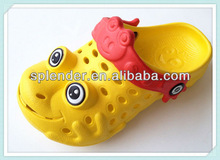 2013 latest kids cartoon nude garden shoes eva soft kids light shoes girls/boys colorful slipper