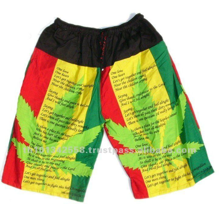 Pantalones cortos rasta. Hoja de marihuana el logotipo de pantalones cortos. Estilo rastafari.