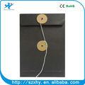 Preto botão colorido kraft envelope com corda