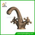 Y6911 nova dupla handle torneira antigo / bronze clássico bacia torneira de bronze