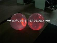 Led flash inflatable beach ball