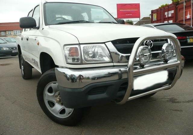 2004 Toyota Hilux Double Cab DIESEL, 500273(D)