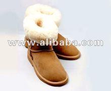 Classic Short Sheepskin Boots in Tan
