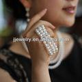 8-9mm blanco perla de agua dulce filamentos triple pulsera