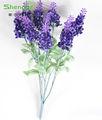 Flor de seda, falso roxo e flores de lavanda