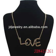 Fashionable LOVE with Crystal Necklace Jewelry