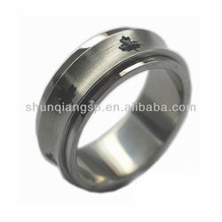 2013 cheap Best friend rings Maple Leaf engraved rotating ring