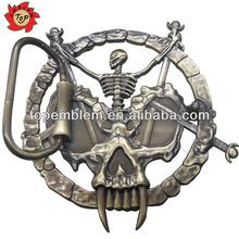 Skull shaped zinc alloy metal belt buckle