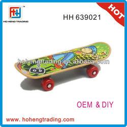 2013 hot promotional gift plastic finger skateboard toys