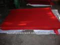 aislamiento de papel de color rojo de la hoja