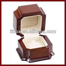 2014 Elegant Wooden Engagement Ring Box