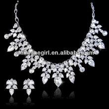Vintage Inspired Flower Crystal Wedding Jewelry Set