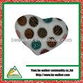 Uma variedade de padrão projeta impresso pêssego travesseiro forma