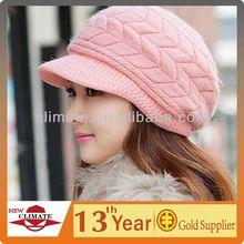 Fashion Knitted Beanie hat/ Beanie Hat With Peak/winter beanie hat with brim