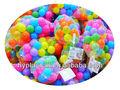 coloridas bolas de plástico para crianças