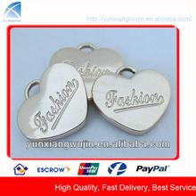 CD8922 New Arrival Shiny Gold Engraving Metal Heart Pendants
