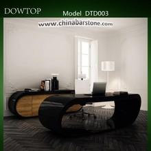 Modern and Italian design high gloss luxurious office desk