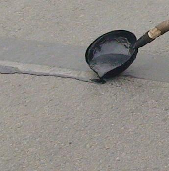 Modified Bituminous Crack Repair sealant