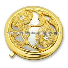 Round Shape Shiny Gold Plated Mirror Case with Flower Pattern