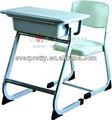 Grosso e material escolar, escola de mobília da sala de aula de mesa e cadeira