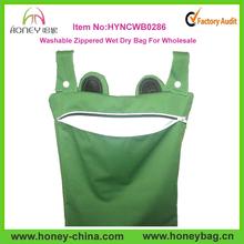 Washable Zippered Green Froggy Hanging Wet /Dry Diaper Bag Custom Laundry Bag New Design Wet Bag