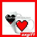 oxgift di calore sensibile al cambiamento di colore pixel cuore morph tazza per il regalo di natale