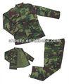 El uniformes militares personalizados con camuflaje