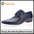 Atacado de couro preto sapatos homens vestido de couro apontou sapatos