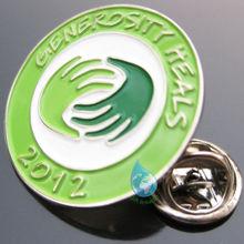 2014 green fancy metal lapel pin