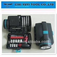 26pcs tool set with flashlight,using 4 pcs AA batteries to operate